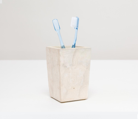 Andria Brush Holder - Pearlized Color