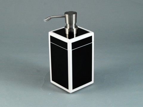 Black and White Lotion Pump